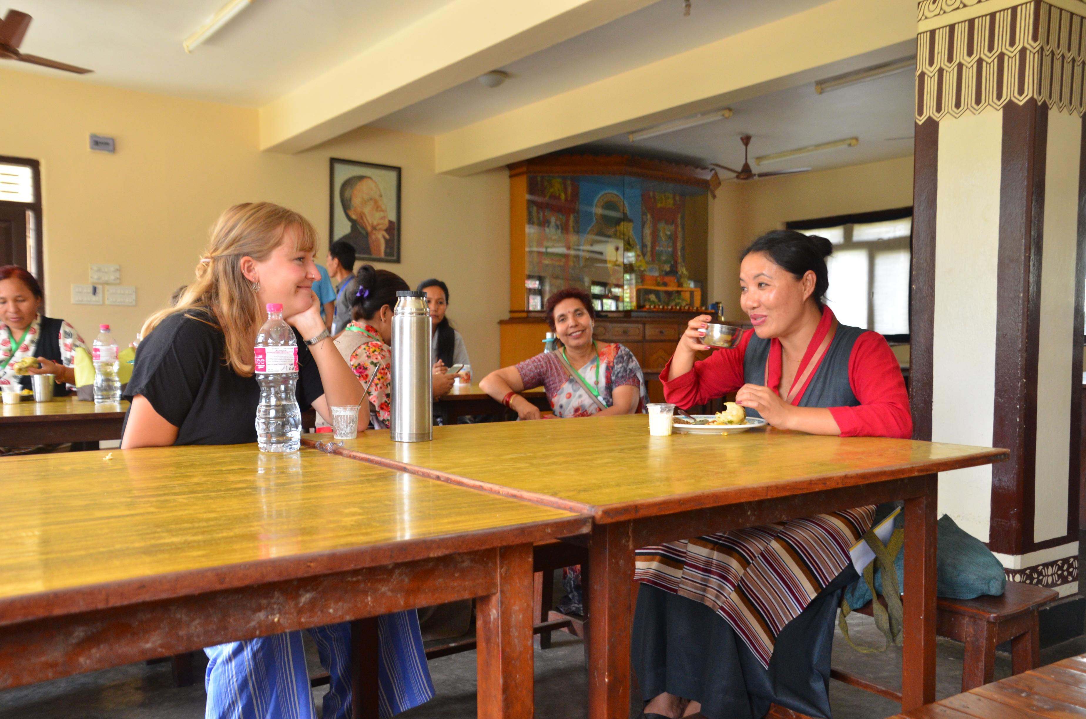 op zoek naar vrouwelijke nepal volwassen vrouwen
